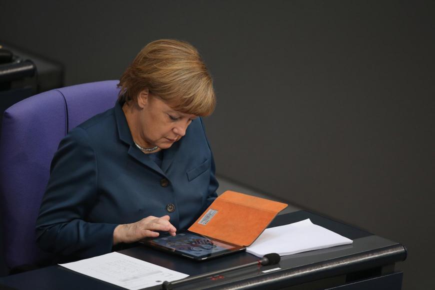 Берлин усилит борьбу против фейковых новостей в социальных сетях
