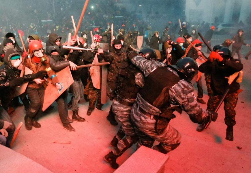 Технологии государственных переворотов: миф о «ненасильственном» сопротивлении