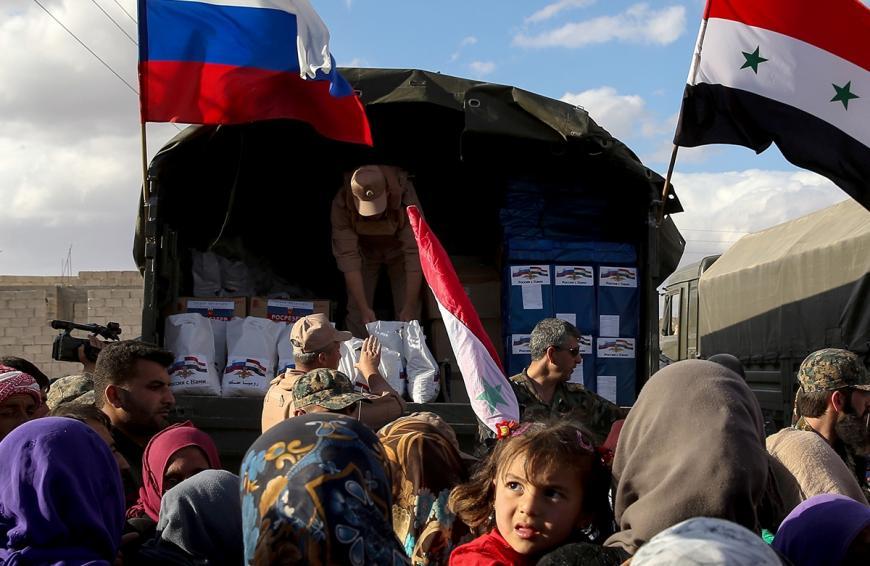 ВВосточную Гуту под Дамаском прибыл 1-ый конвой сгуманитарной помощью