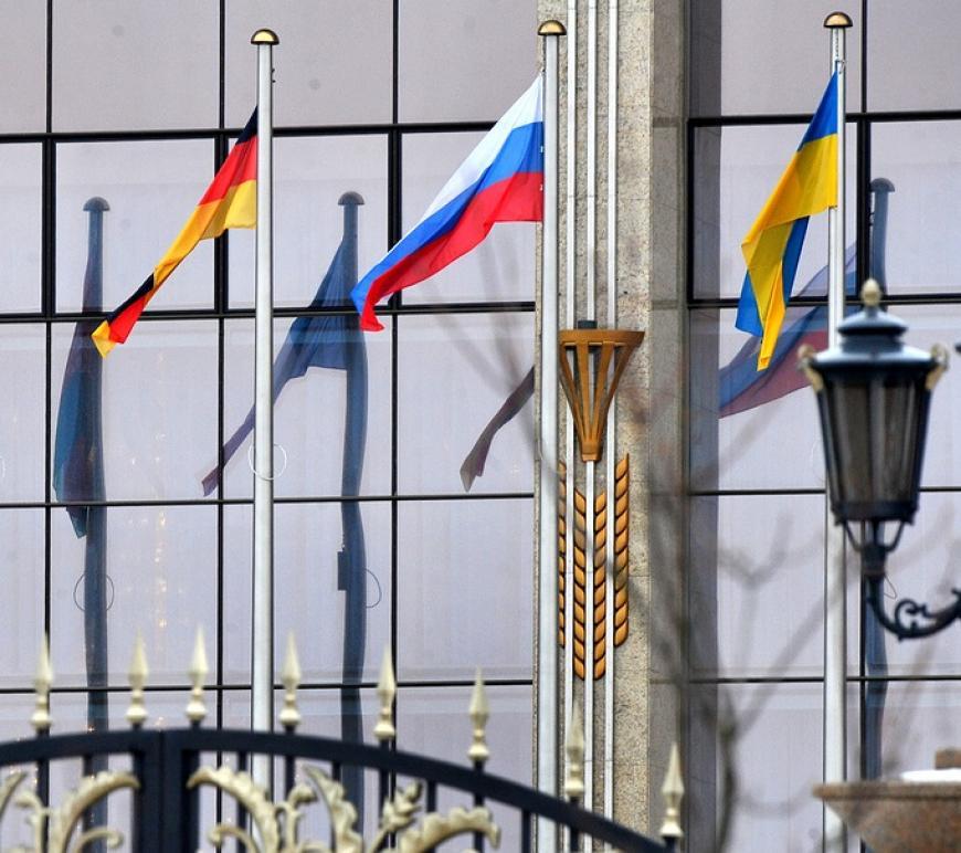 Украина призвала Германию к неменее жесткой позиции относительно РФ