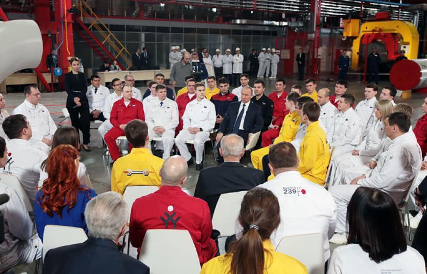 Песков опроверг, что встречи В.Путина с сотрудниками являются предвыборной кампанией