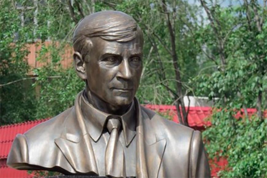 ВНефтеюганске проходят мероприятия, приуроченные к памяти убитого главы города Петухова