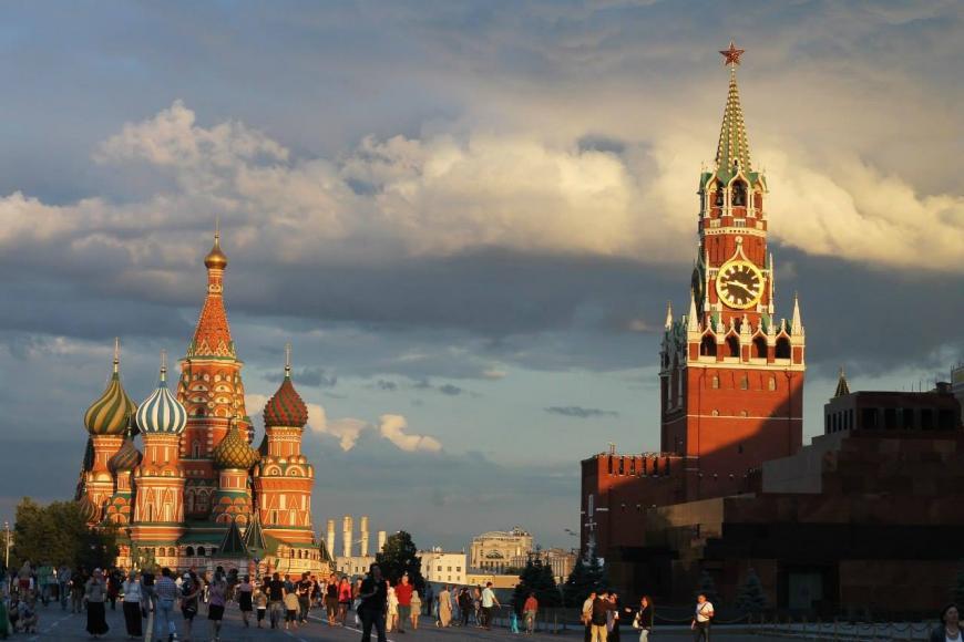 Большинство граждан России убеждены, что власти защитят оттерактов