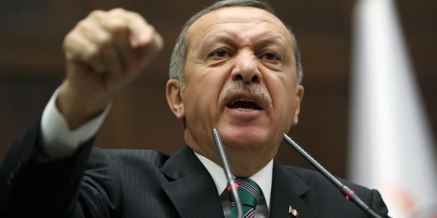 Эрдоган пожаловался впрокуратуру Майнца наоскорбившего его комика