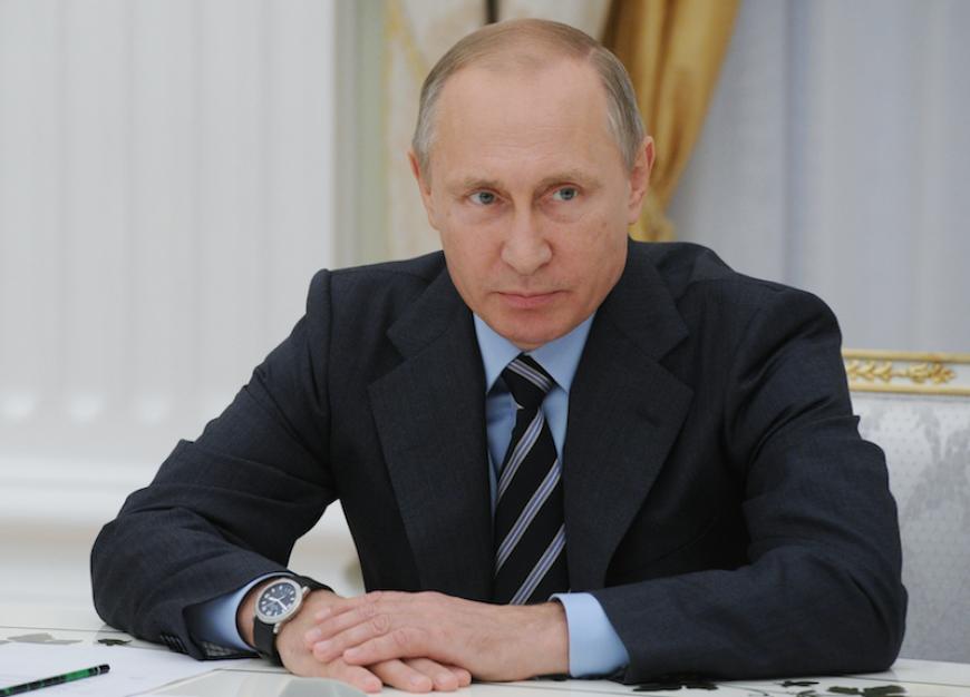 Путин отменил визы для молодых неграждан Эстонии иЛатвии