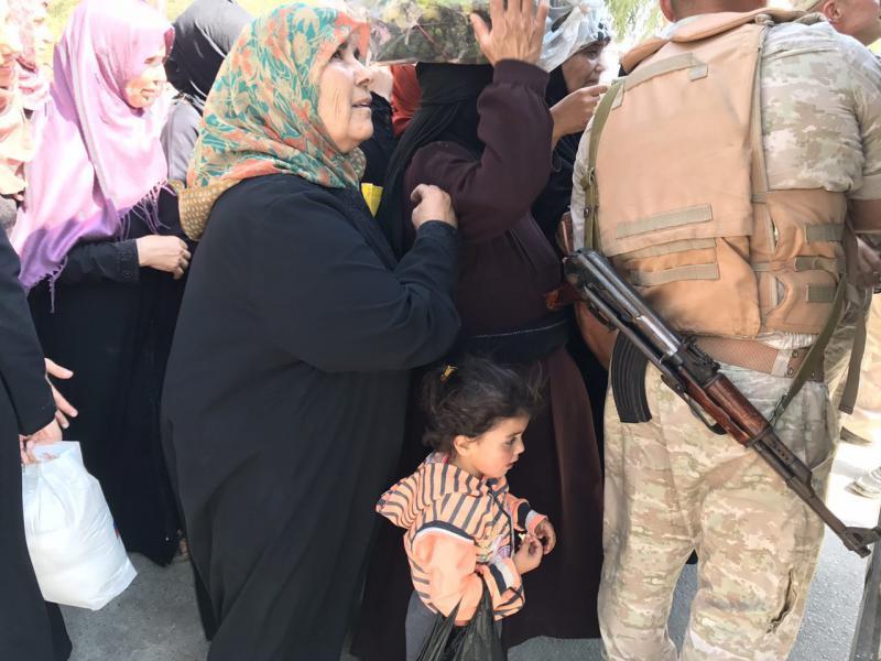 ВоенныеРФ доставили гуманитарную помощь взону деэскалации вСирии